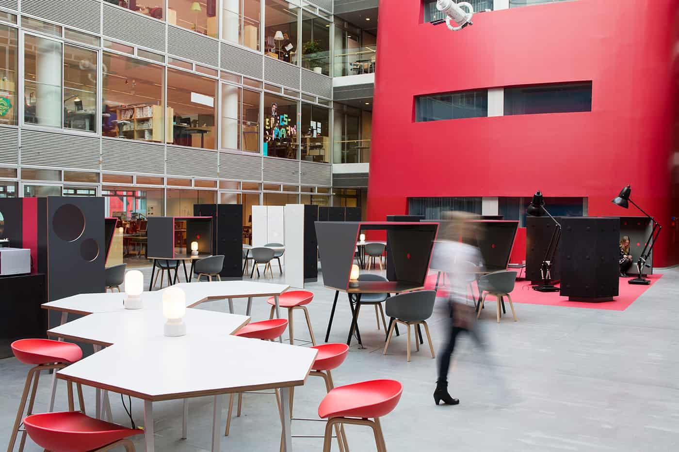RITAarch DR Danmarks radio, indretning, lounge, DR gaden, Dr news, arbejdsområde, kontorindretning, mødehaven, fleksibelindretning, dropin