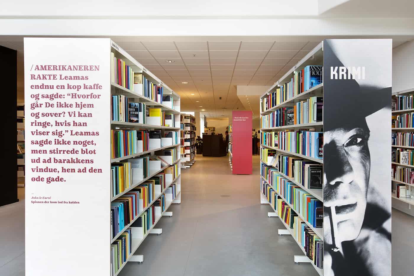 RITAarch, Indretning, spaceplanning, biblioteksdesign, biblioteksindretning, wayfinding, grafik, spaceplanning, arkitektur, bogreoler, Holbæk bibliotek