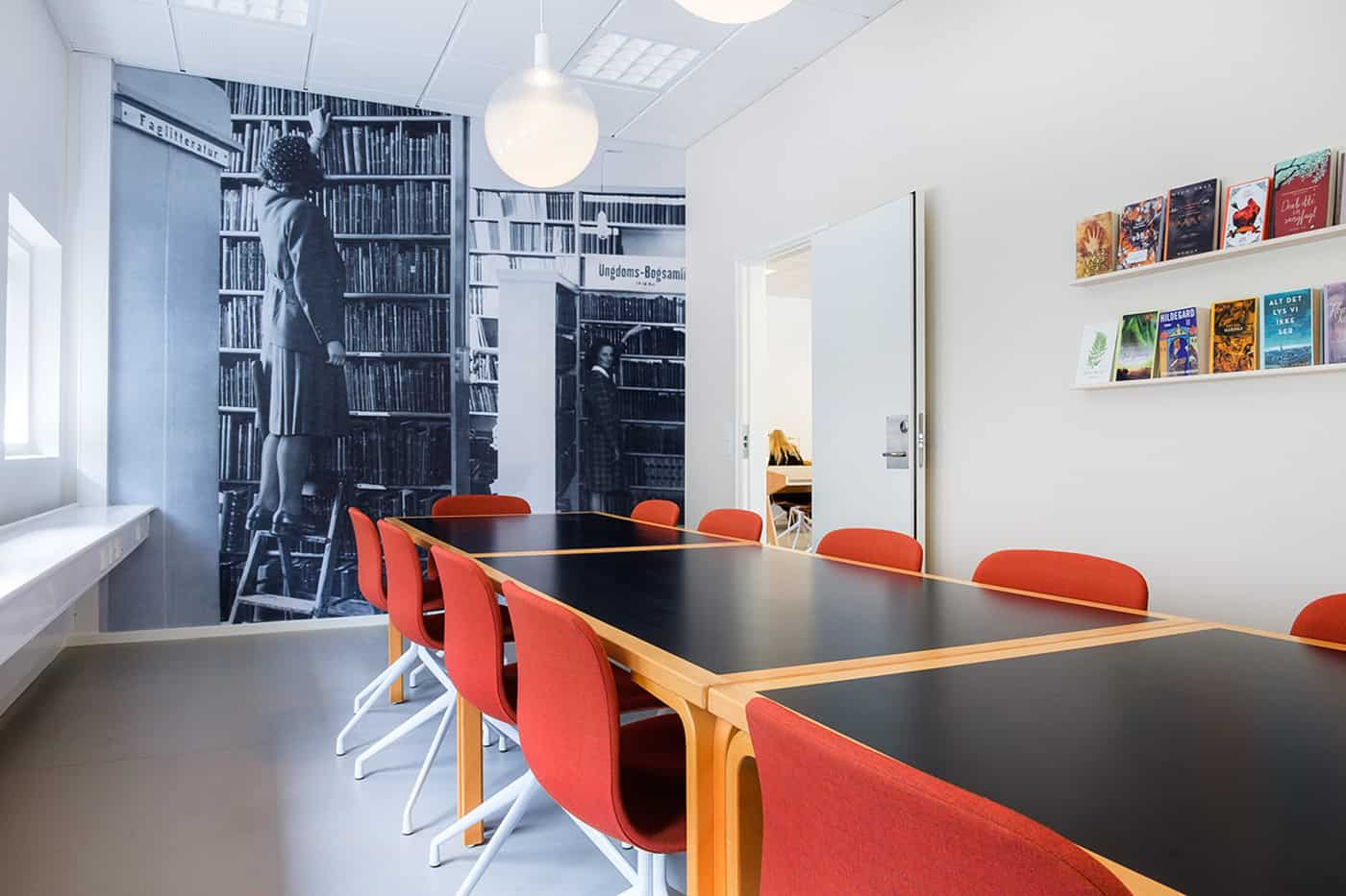 RITAarch, Indretning, spaceplanning, biblioteksdesign, biblioteksindretning, wayfinding, grafik, spaceplanning, arkitektur, mødelokale, holbæk bibliotek
