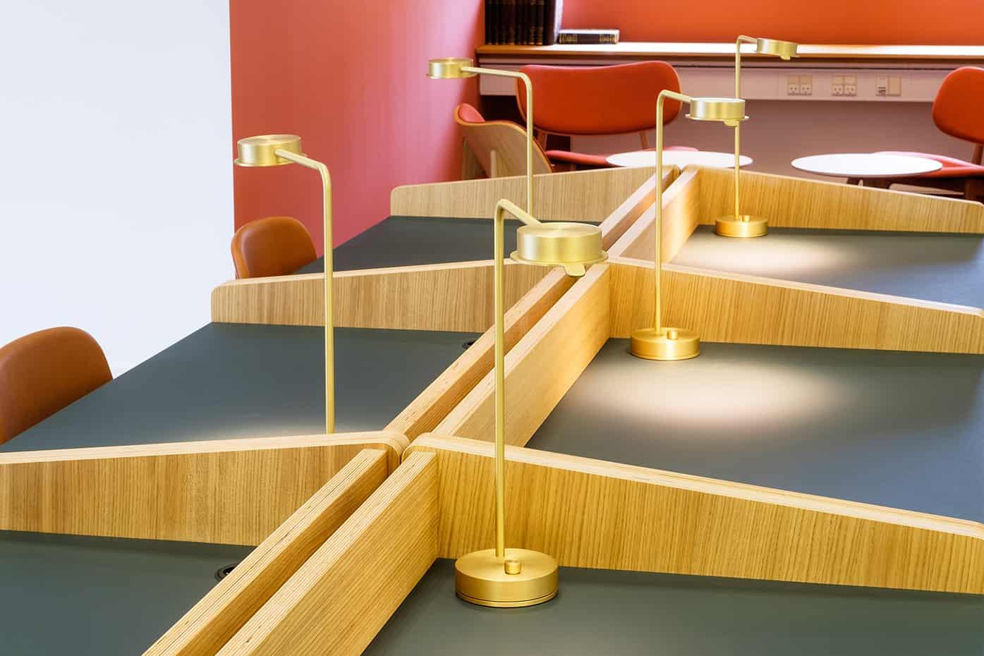 RITAarch, Indretning, spaceplanning, biblioteksdesign, biblioteksindretning, wayfinding, grafik, spaceplanning, arkitektur, atrium, læseområde, fordybelsesområde, specialinventar, Holbæk bibliotek
