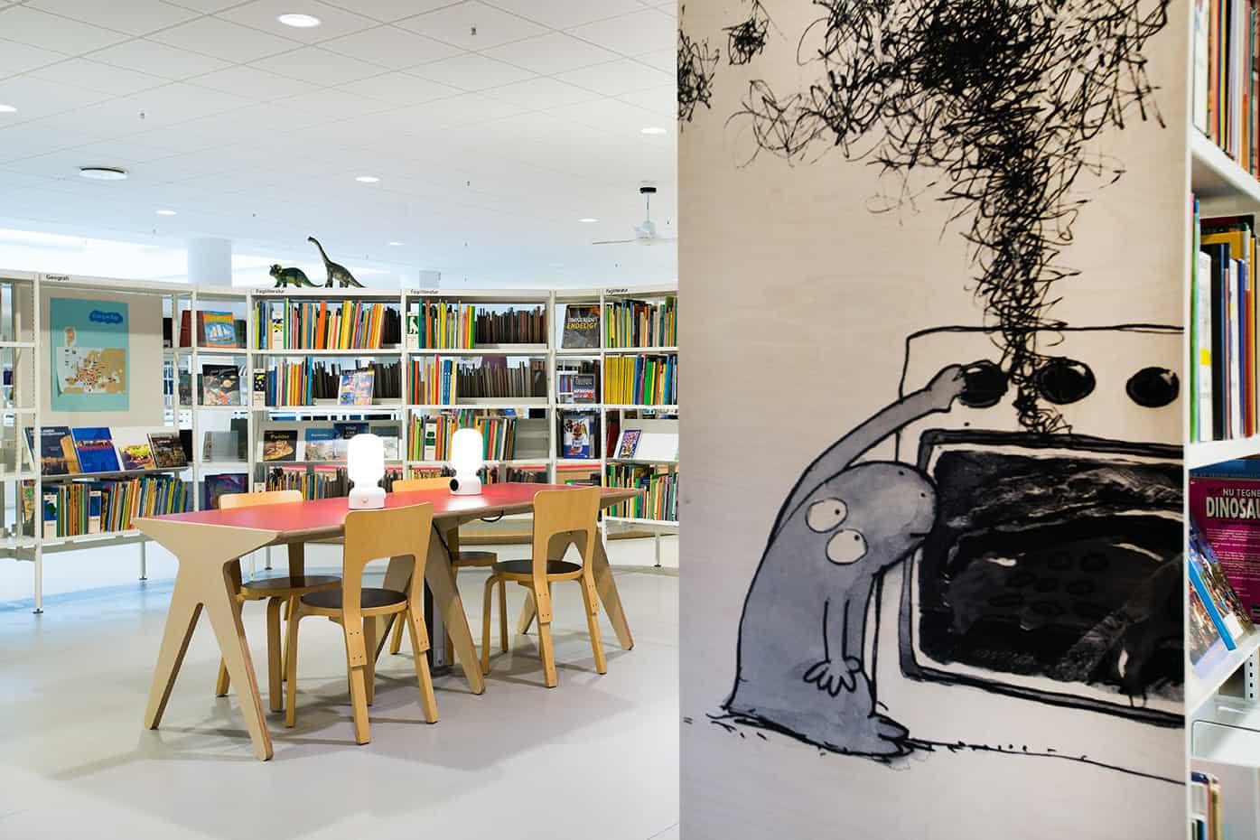 RITAarch, Indretning, spaceplanning, biblioteksdesign, biblioteksindretning, wayfinding, grafik, spaceplanning, arkitektur, atrium, læseområde, fordybelsesområde, holbæk bibliotek