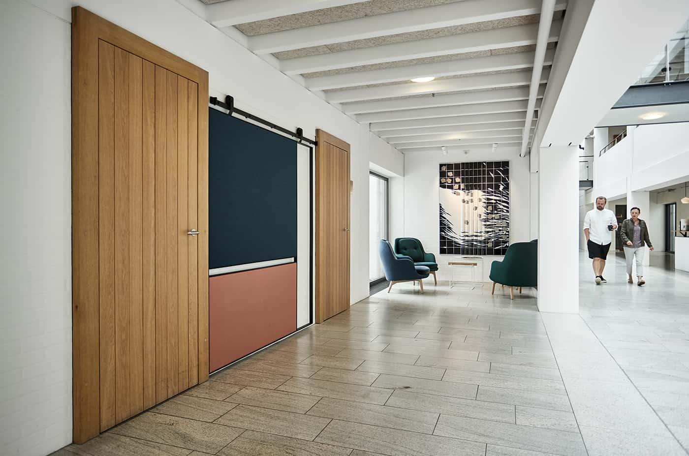 RITAarch Rosendahl Design Group, indretning, specialinventar, lounge, vente lounge, specialdesign, opslagstavle